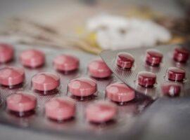 Πολύ κοντά πλέον στη νέα, δια στόματος, αντι-ιική θεραπεία για τον κορονοϊό.